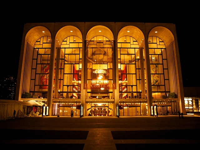 The Metropolitan Opera Club