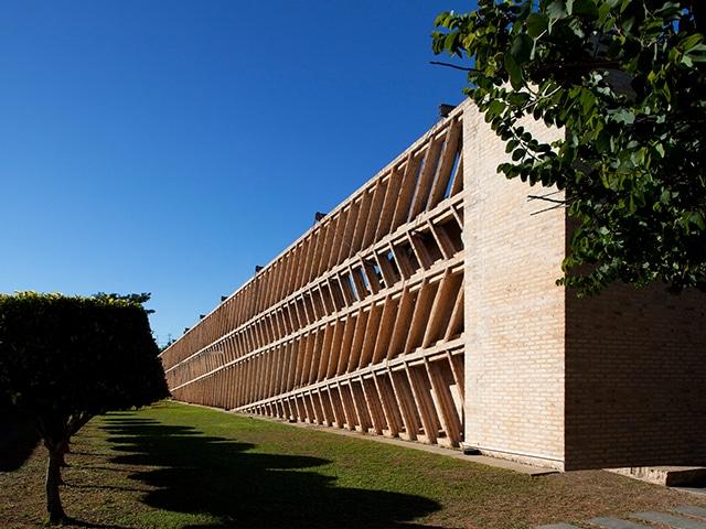 The Unilever building by Solano Benitez