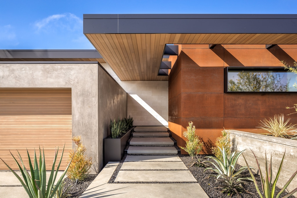 Corona Del Mar Home. A modern house with desert elements.